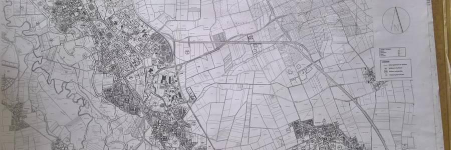 Karte auf Papier mit dem Stadtgebiet und der Übersicht der aktuellen B-Pläne [(c): Sabrina Deharde]