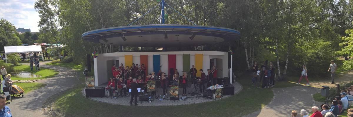 Blick auf die Kulturbühne im Park der Sinne beim Konzert von LaBiBa ©Team 80 / Deh