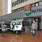Maskenübergabe Hannover 96plus 2 ©Stadt Laatzen