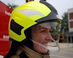 Integrierter Gesichtsschutz und Augenschutzvisier schützen die Kameradinnen und Kameraden in ihren Einsätzen [(c) Stadt Laatzen]