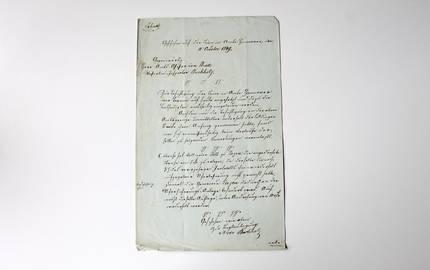 Historisches Schriftstück auf einer Seite