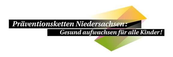 Schwarzer Streifen mit Inschrift Präventionskette Niedersachsen: Gesund aufwachsen für alle Kinder. Dahinter grafische Muster in verschiedenen Farben.