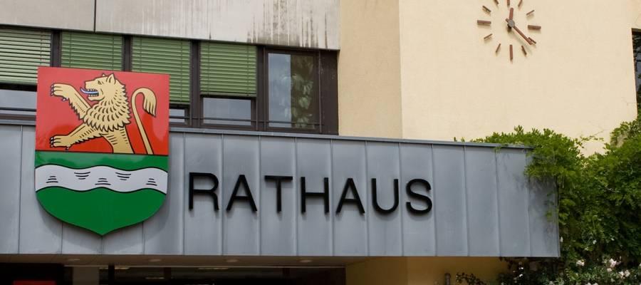 Eingang des Rathauses in Laatzen