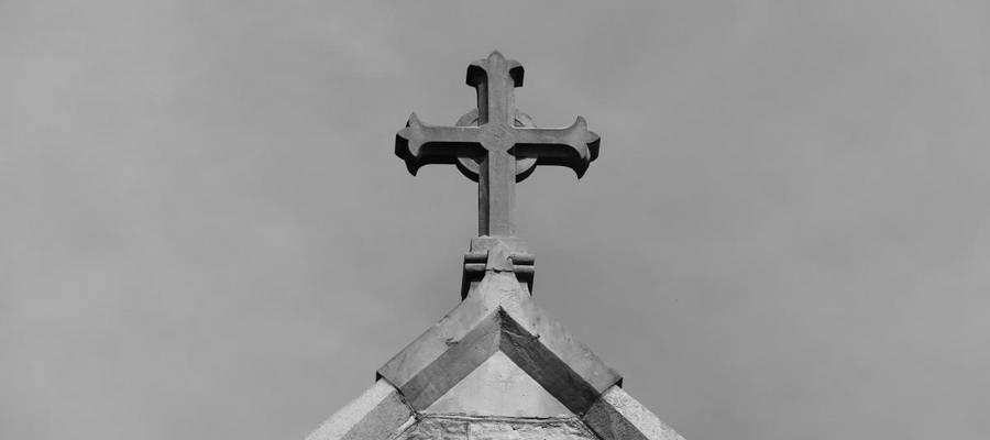 Kreuz auf einer Kirche